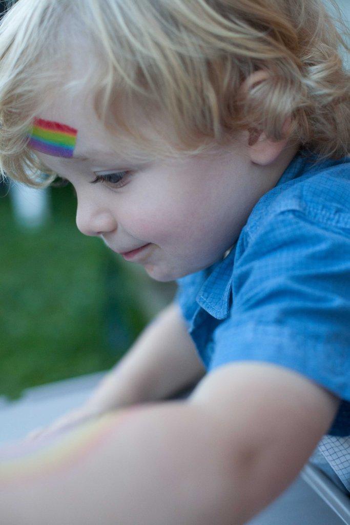 Getting rainbow crafty!